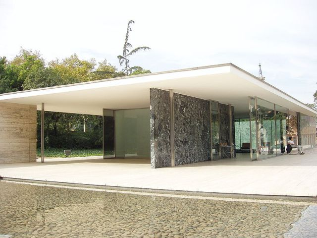 Barcelona Pavillion von Mies van der Rohe