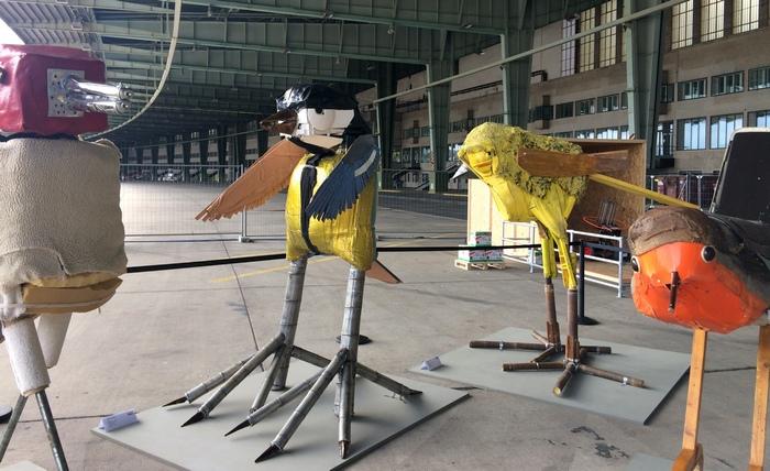 Matthias Garff Vögel Positions Berlin Kunstmesse