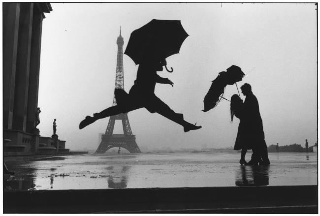 Elliott Erwitt Umbrella Jump 1989