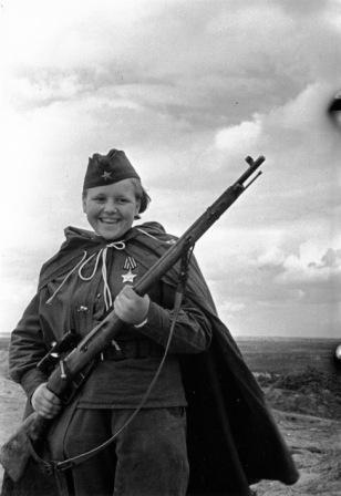 """Die Rotarmistinnen  """"Mascha + Nina + Katjuscha. Frauen in der Roten Armee 1941-1945"""""""