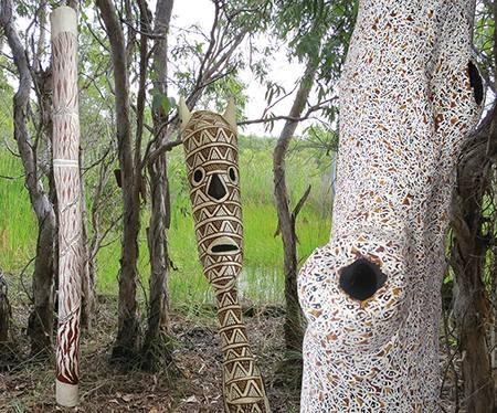 BUKU-LARRNGGAY - Gemälde und Skulpturen aus dem Top End Australiens