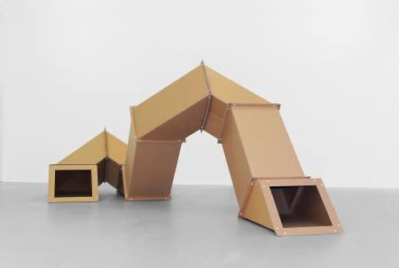 Skulpturen aus Papier. Von Kurt Schwitters bis Karla Black