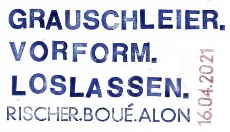 Schaufensterausstellung: GRAUSCHLEIER. VORFORM. LOSLASSEN. Ausstellung Hamburg